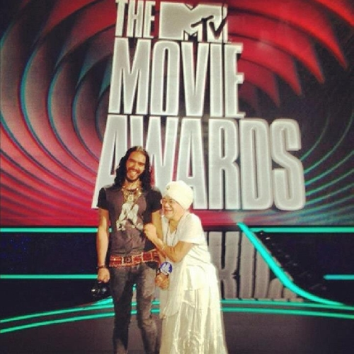 Russel and Tej just chillin' (at the MTV Music Awards)