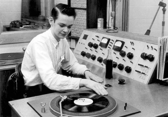 Vintage-Radio-Station-Crop